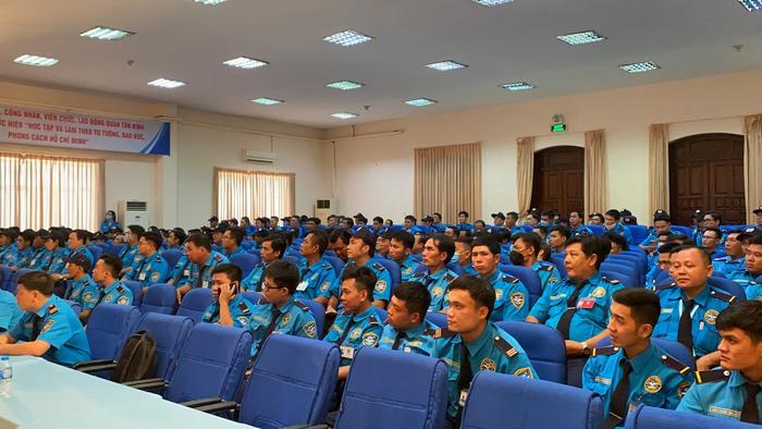Lực lượng nhân viên bảo vệ Ngày & Đêm